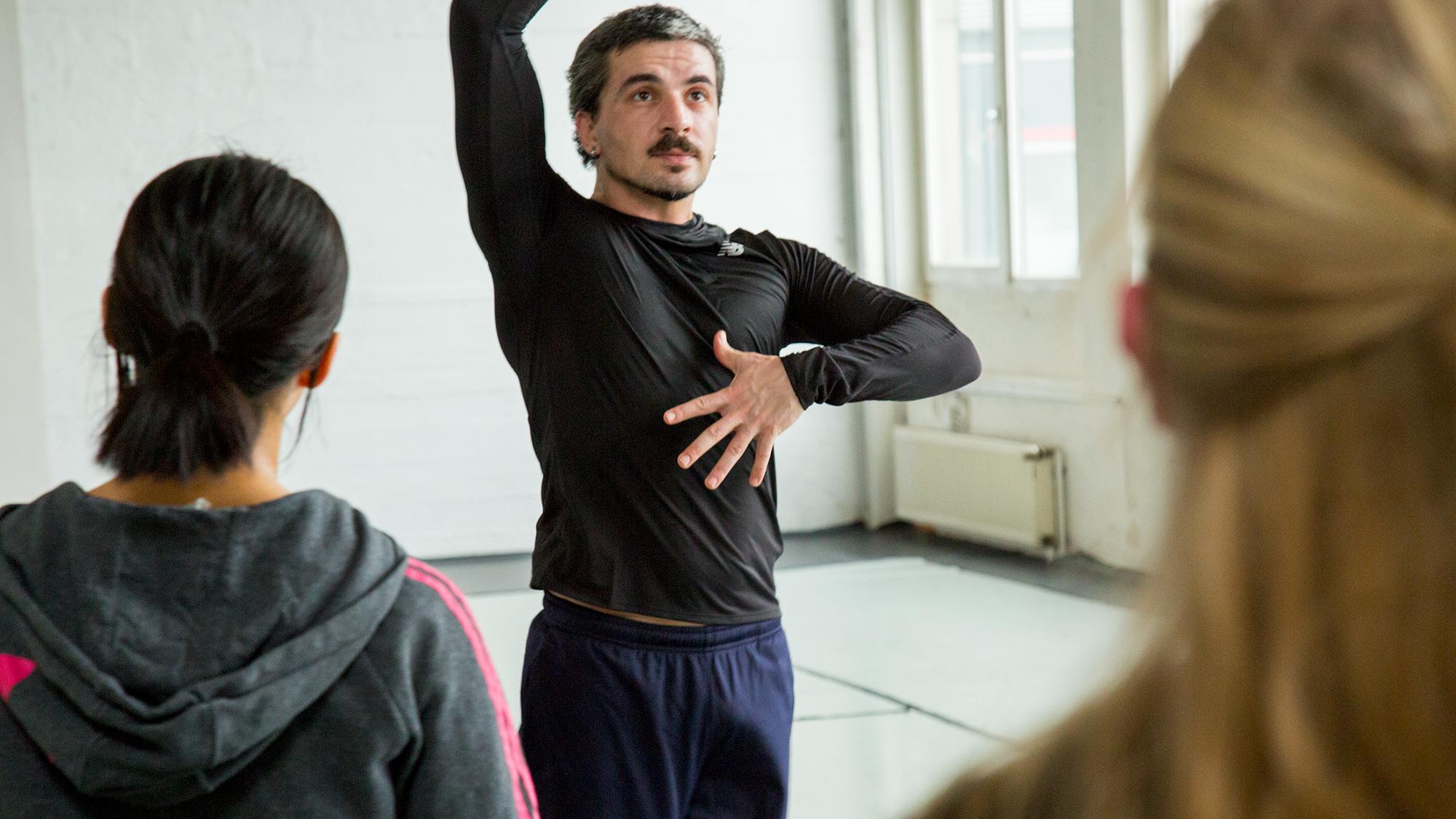 AYBERK ESEN   Tanznetz   Freier Tanz   Freiburg